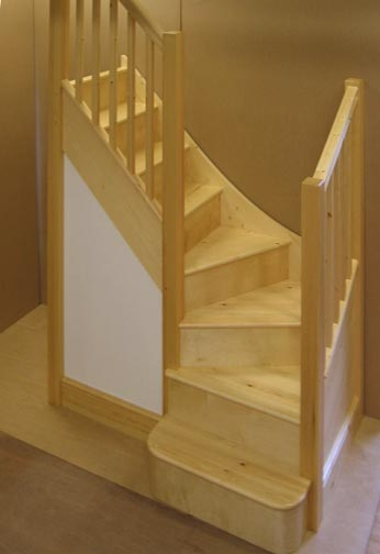 Standard Traditional Staircase